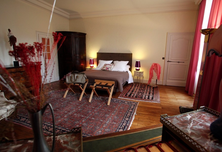 chambres d 39 hotes bourges. Black Bedroom Furniture Sets. Home Design Ideas